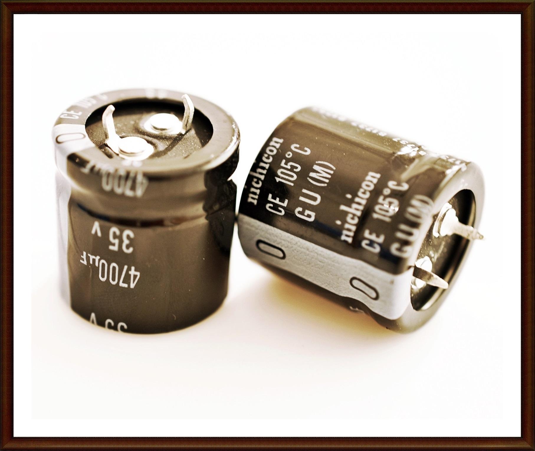 Kondensator Elko 4700µF 35V 25X25mm 85° RM10mm 2 Stück