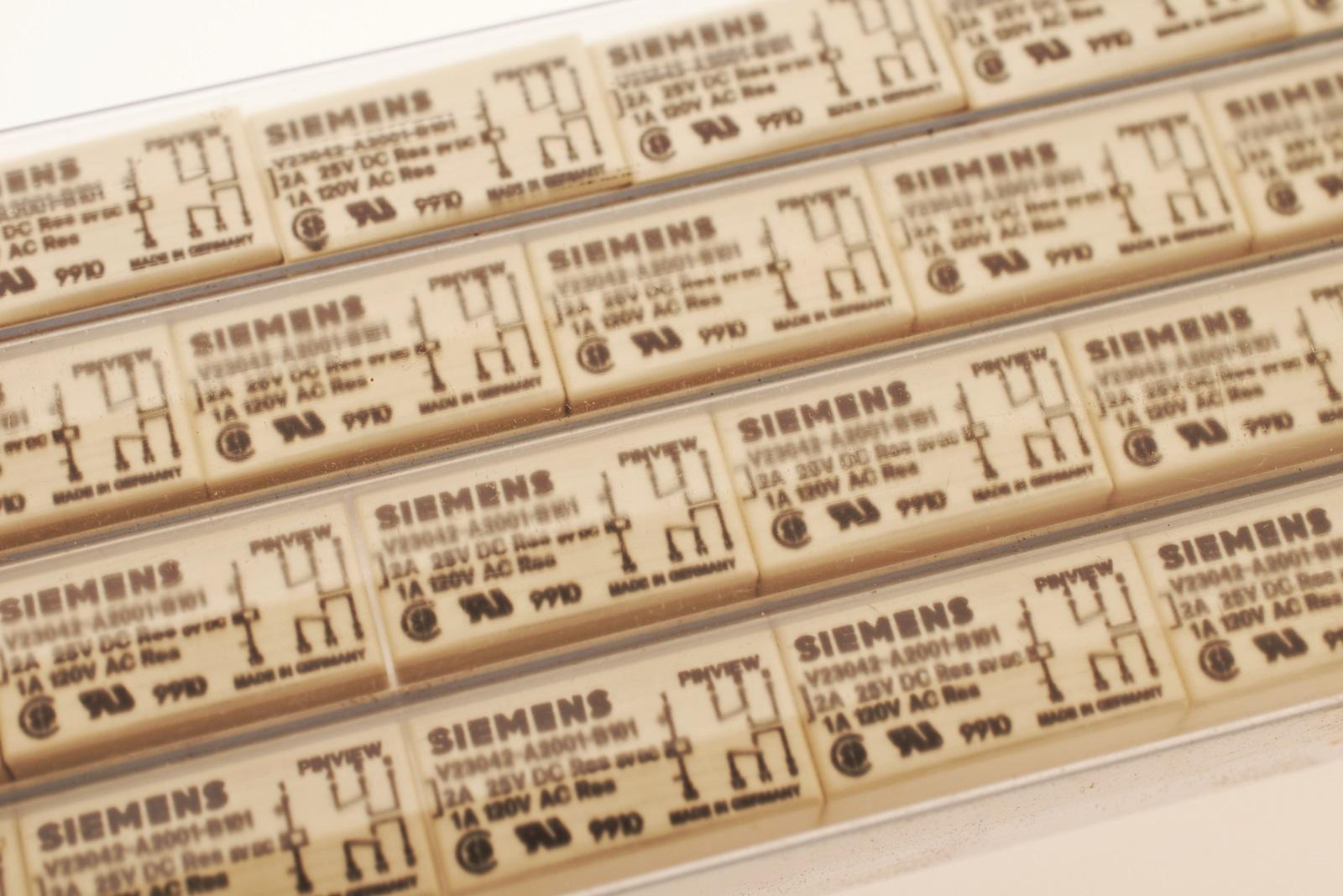 Siemens V23042-A2001-B101 Print Relais 2xUM   #712424